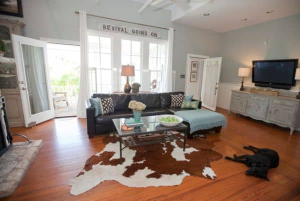 Redecorate: Reasons Why You Should Try Cowhide Rugs